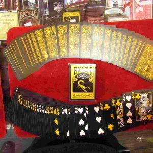 קסמים - חפיסות קלפים מעוצבות